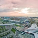 Вокзал в Олимпийском парке на закате. Аэросъемка