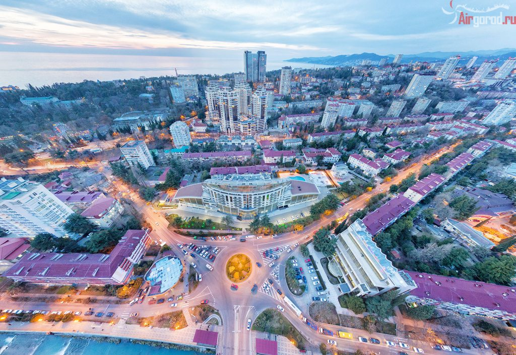 Сочи. Кубанская площадь. На закате. Вид на море. Аэросъемка