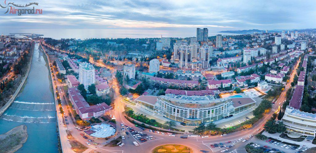 Сочи. Кубанская площадь. На закате. Вид а отель Звездный. Аэросъемка