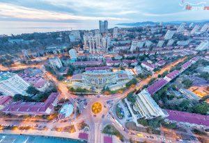 Сочк. Кубанская площадь. На закате. Вид на море. Аэросъемка