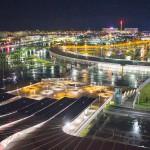 Ночной вид на Олимпийский парк.