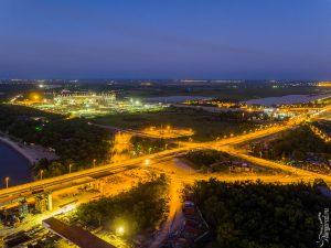 Развязка моста и строящийся стадион Арена